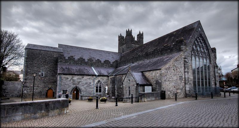 Excursions en Irlande catholique - Histoire - Foi Chrétienne - Moeurs et Traditions The%20Black%20Abbey%20002L